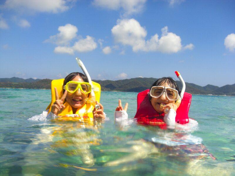 【鹿児島・奄美大島】【4月上旬~12月下旬限定】ウミガメ遭遇率95%シュノーケリング&マングローブカヌー(1日プラン 送迎付き)(No.31)